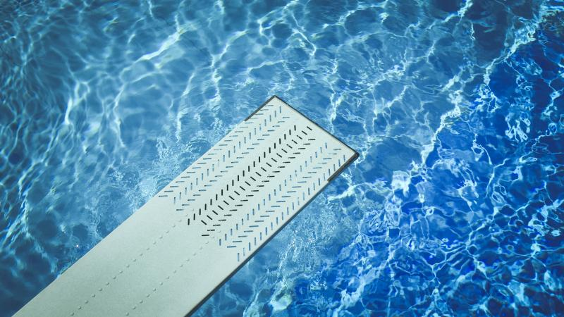 Tuto comment garder l 39 eau de sa piscine propre la - Comment garder une vitre d insert propre ...
